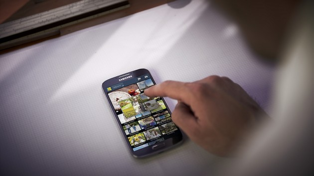 GALAXY S4 Lifestyle Image_Air View