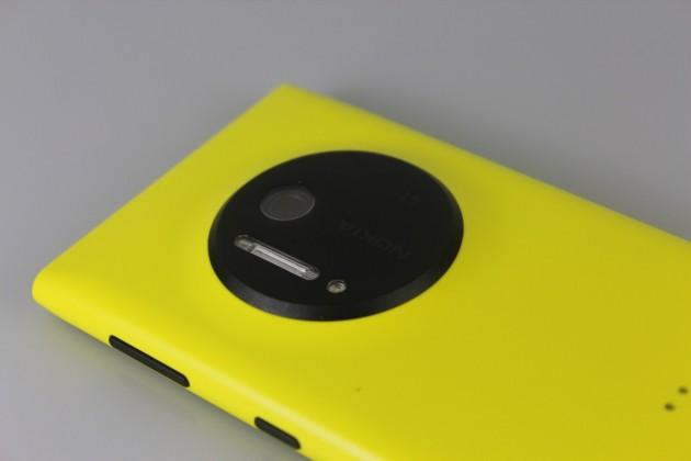 Nokia-Lumia-1020-Gadget (10)