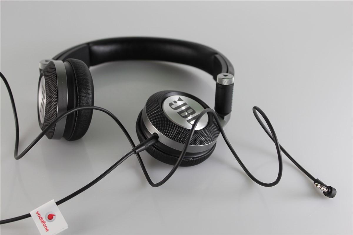 Cti Jbl Synchros E30 Review Hi Tech Lifestyle Headset An Error Occurred