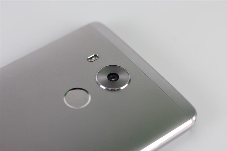 Huawei-Mate-8 (6)