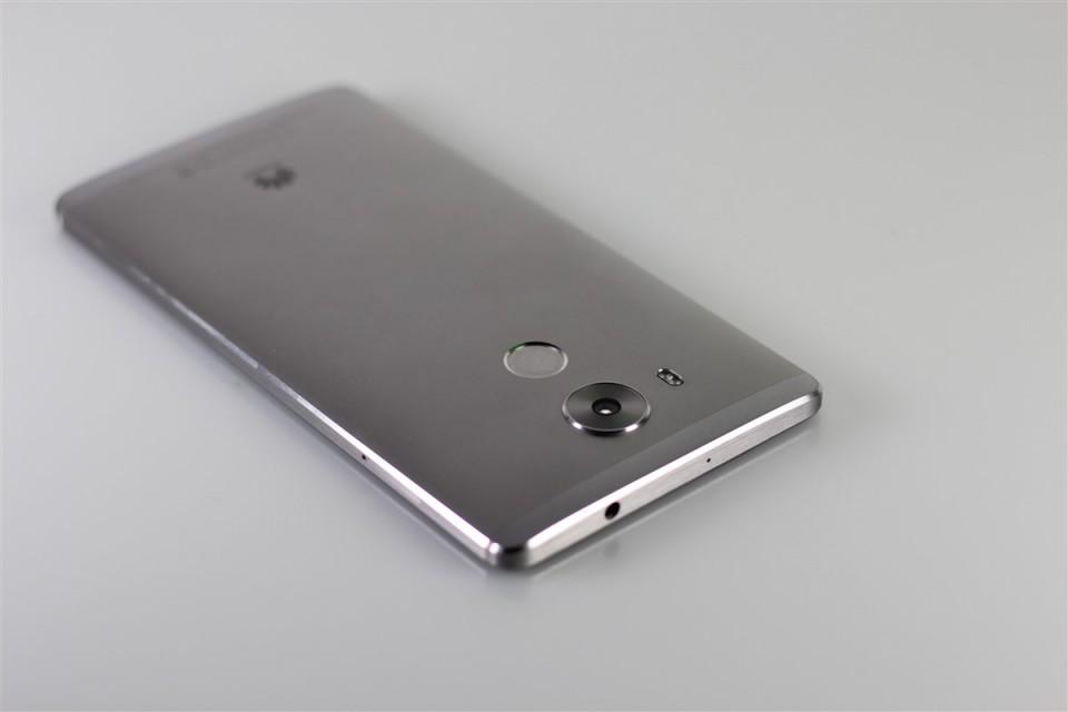 Huawei-Mate-8 (9)