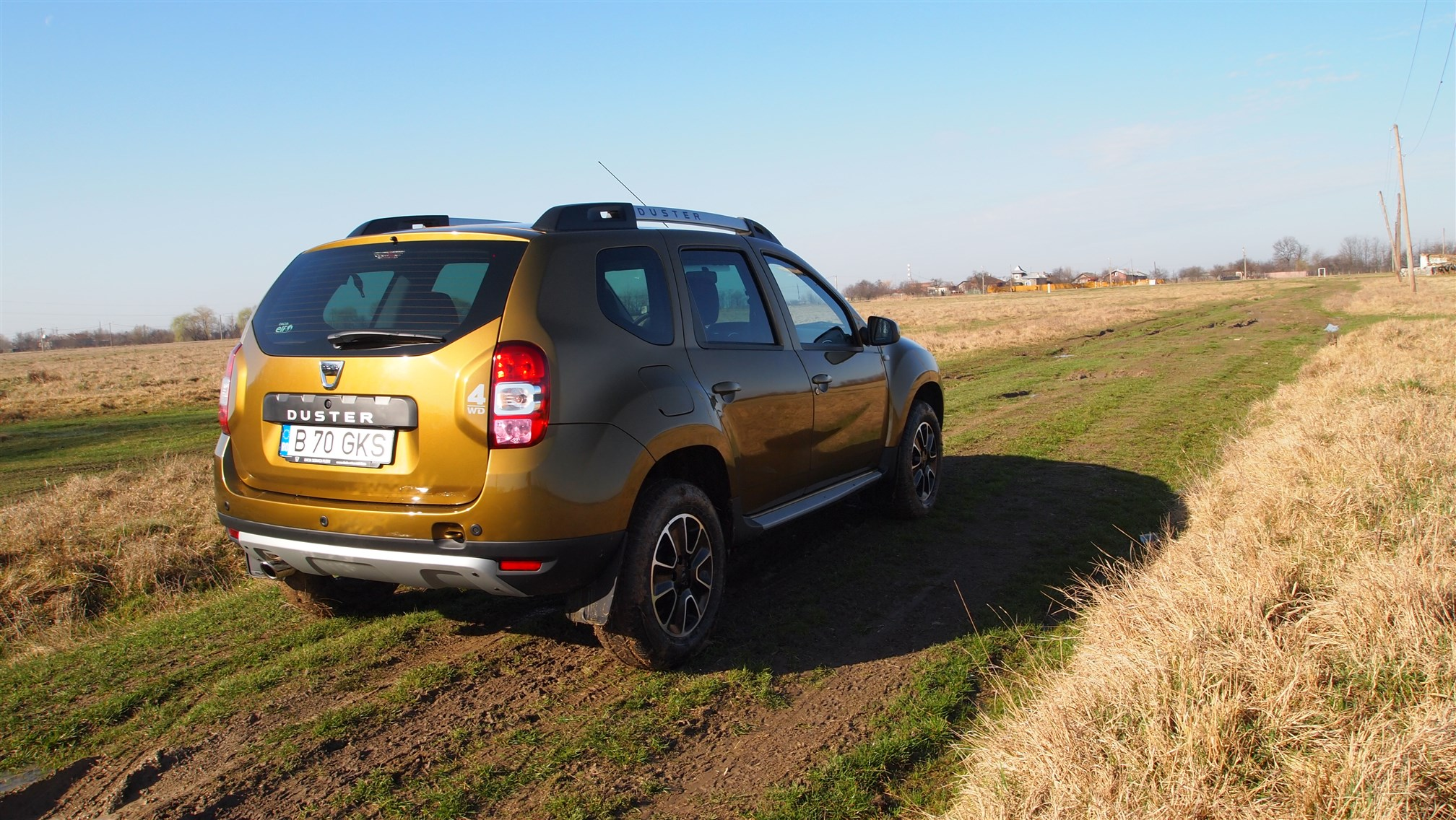 Dacia Duster Connected by Orange Exterior (7)