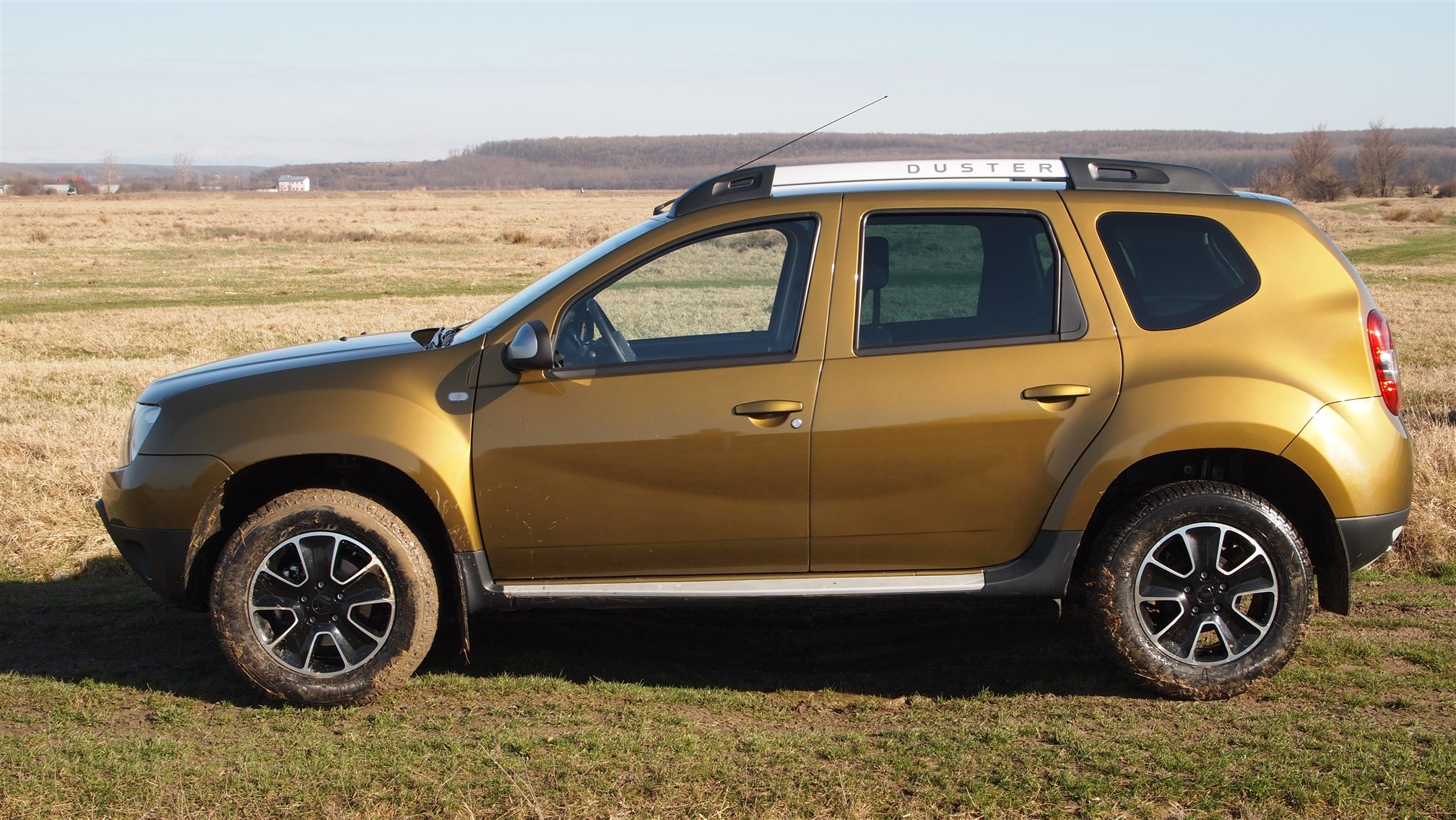 dacia duster connected by orange 1 5 dci 109 cp 4x4. Black Bedroom Furniture Sets. Home Design Ideas