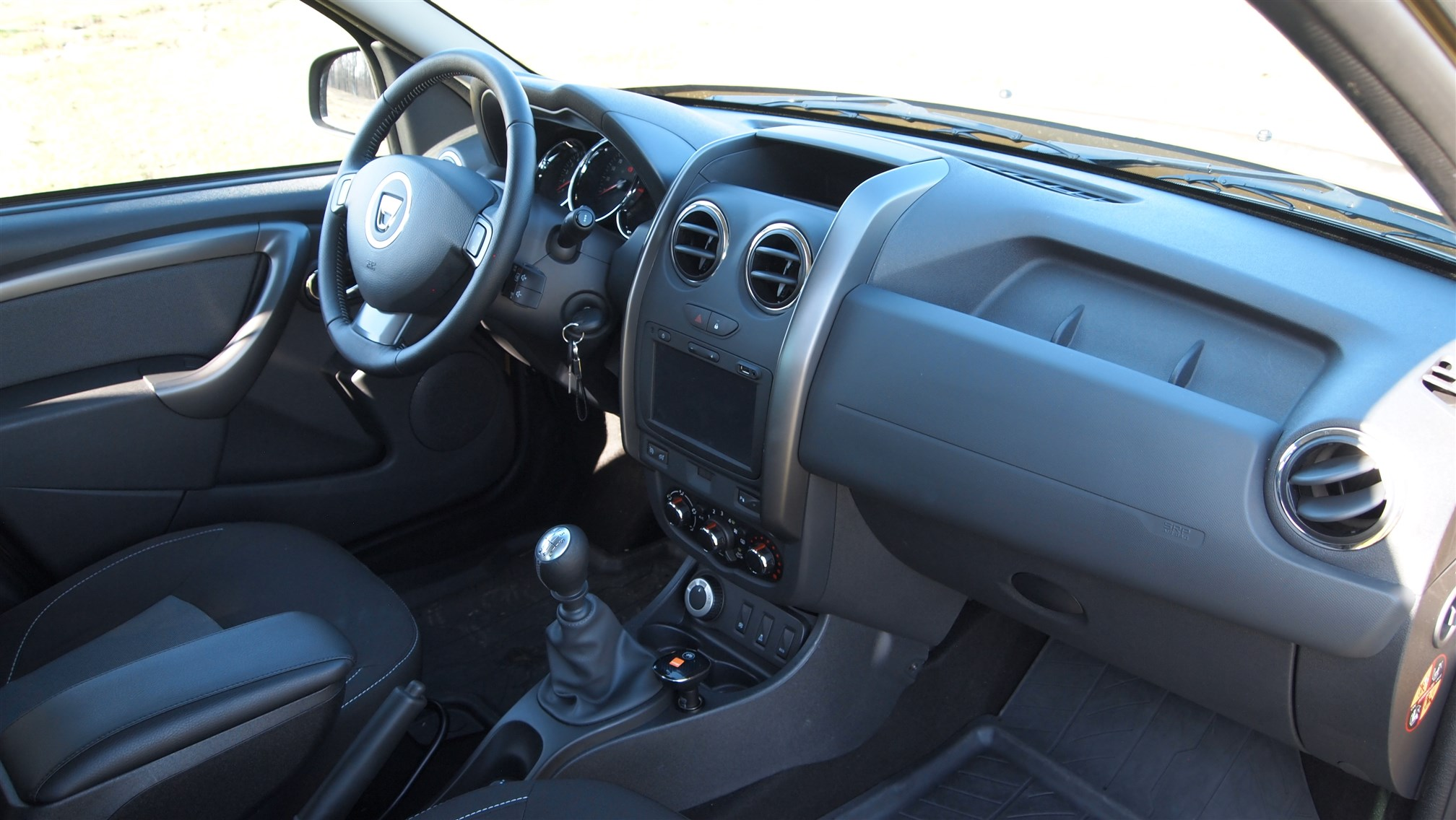 Dacia Duster Connected by Orange Interior (13)