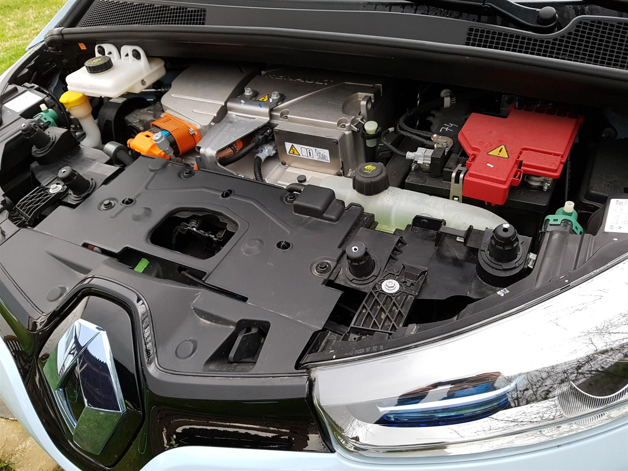 Renault ZOE Exterior (1)