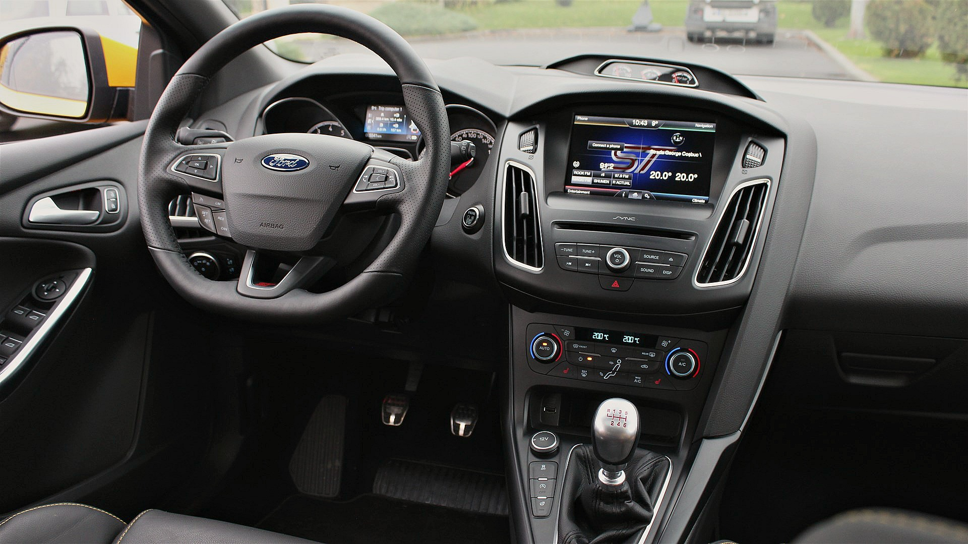 ford-focus-st-interior-11