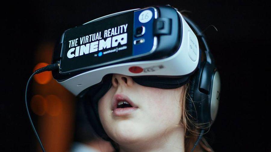S-a deschis primul cinematograf de realitate virtuală din România
