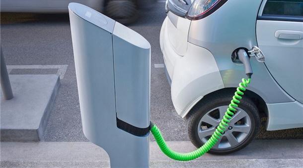 Comisia Europeană va construi sute de staţii pentru maşini electrice în Europa Centrală şi de Est, inclusiv în România