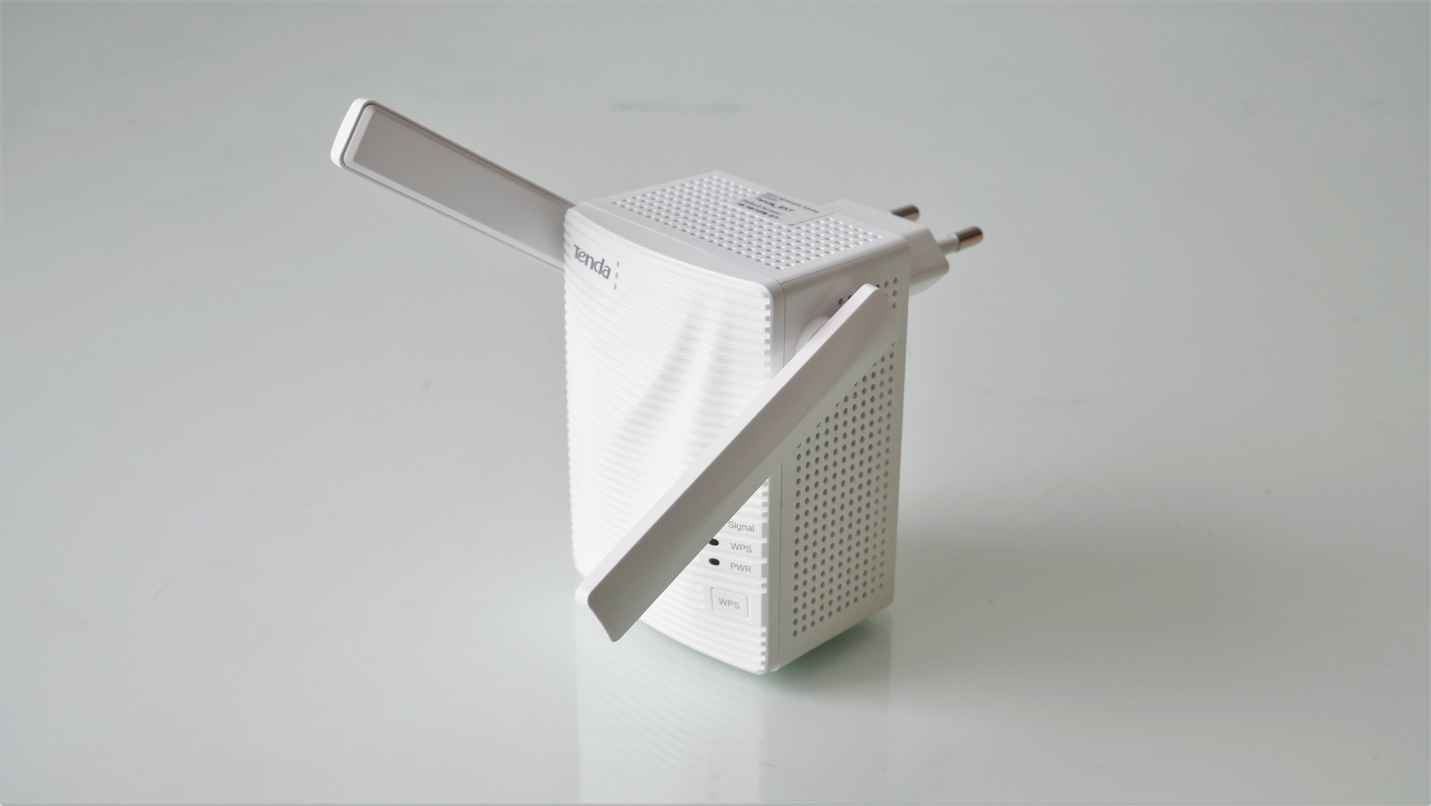 Wi-Fi repeater dual-band AC1200 Tenda A18