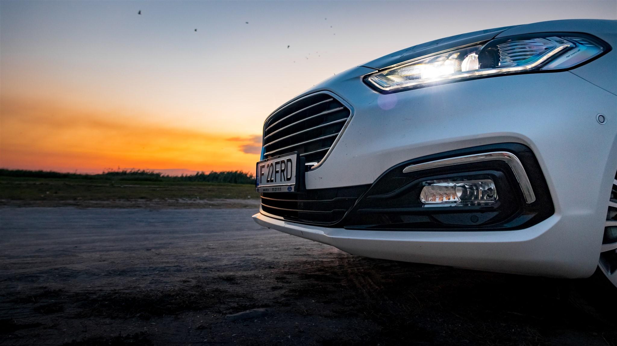 ford mondeo wagon hybrid 2019