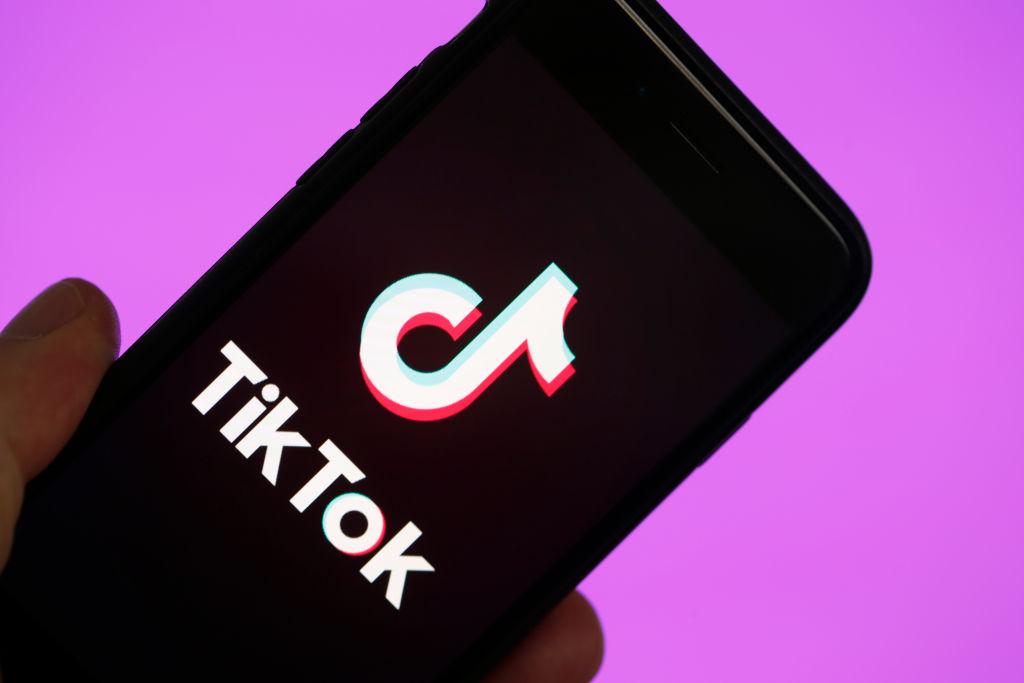 Ca urmare a incidentului militar de luna trecută, India interzice 59 de aplicaţii chineze printre care TikTok, WeChat, Weibo şi UC Browser