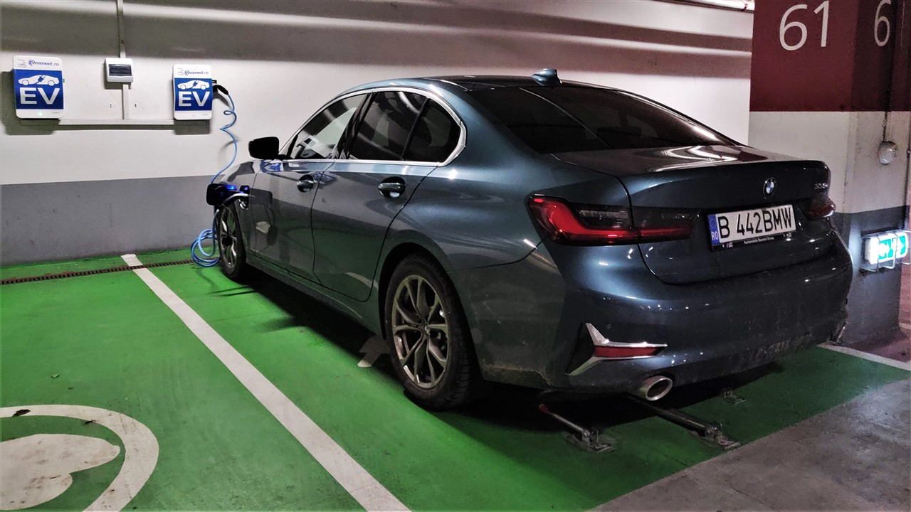 Incarcare baterie BMW 330e 2019 la statie rapida