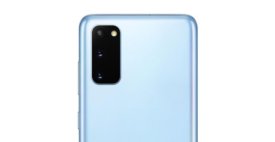 """Lista """"cadourilor"""" primite alături de Samsung GALAXY S20 în variantele pe gri și albastru la eMAG"""