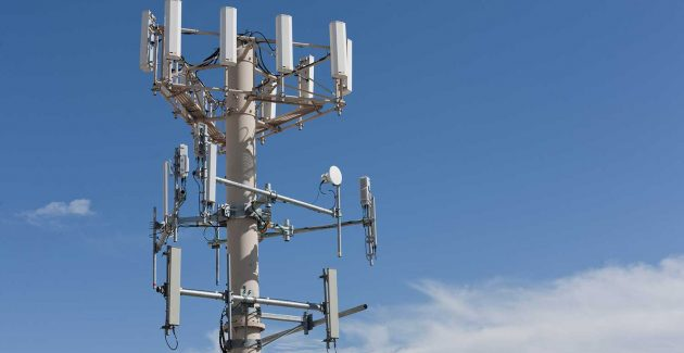 Orange şi Vodafone au plătit câte 30 milioane de euro pentru prelungirea licenţelor în banda de 2100 MHz