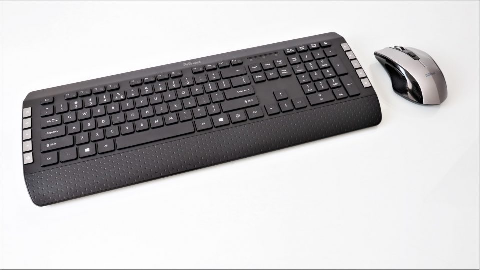 Kit wireless tastatură și maus Trust Tecla 2 – review