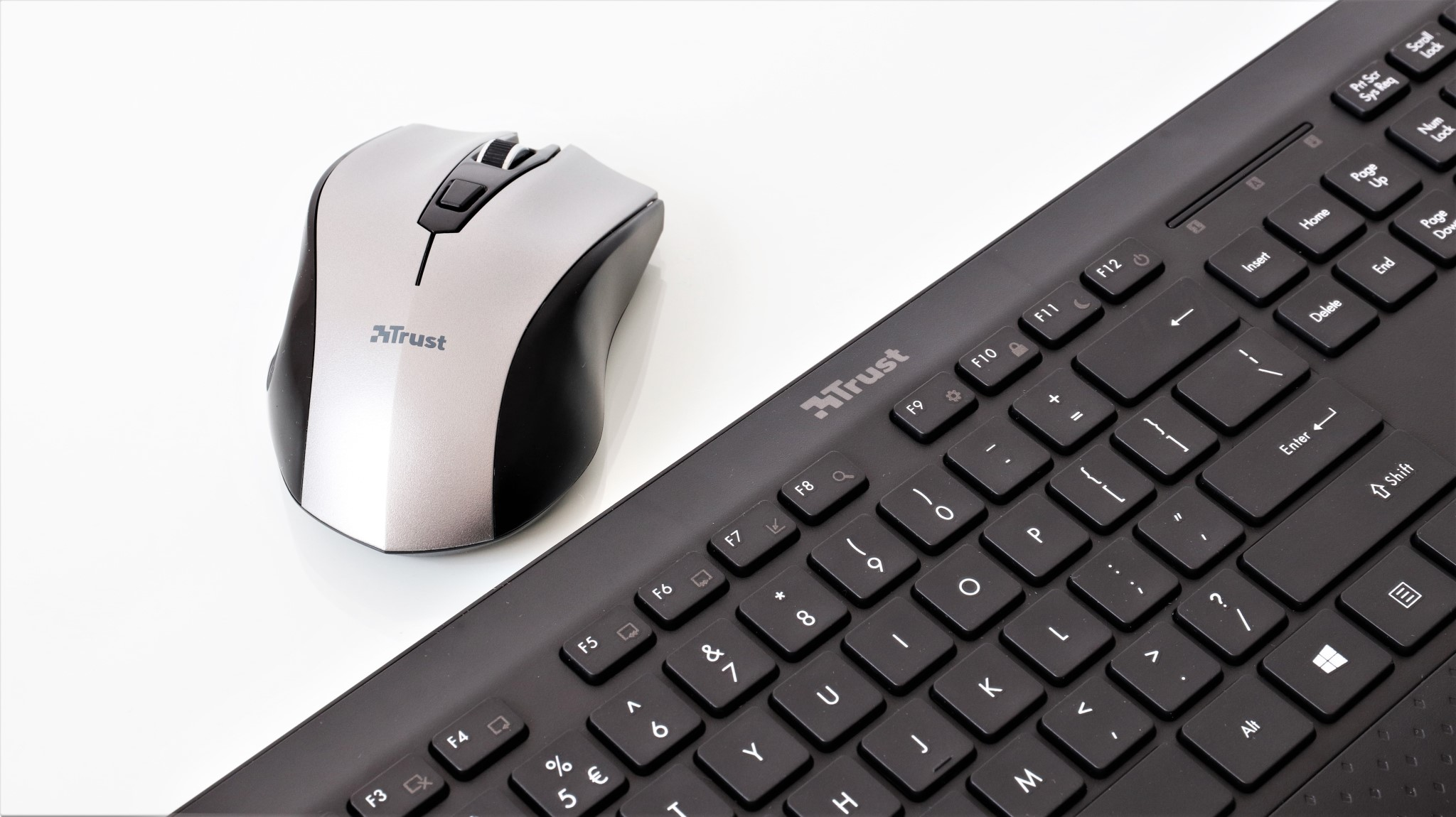 Kit wireless tastatura si mouse Trust Tecla 2
