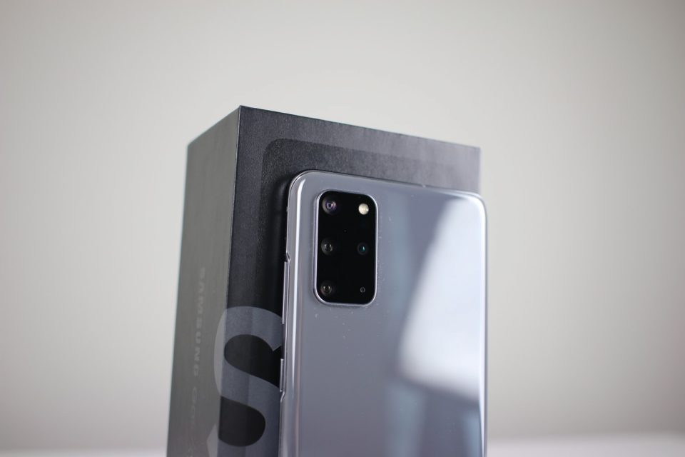TOP 10: Motive pentru care Samsung GALAXY S20+ poate fi cel mai bun smartphone din 2020