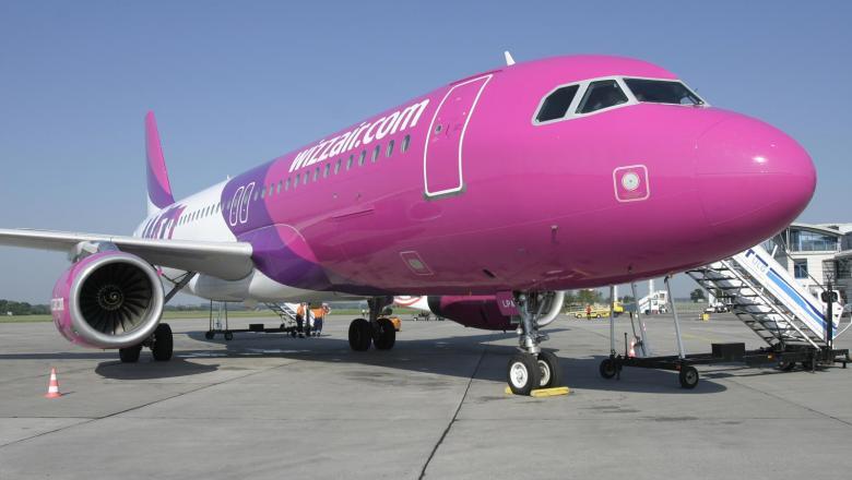 Wizz Air a anunţat că va concedia 19% dintre angajaţi. Restul vor avea salarii tăiate