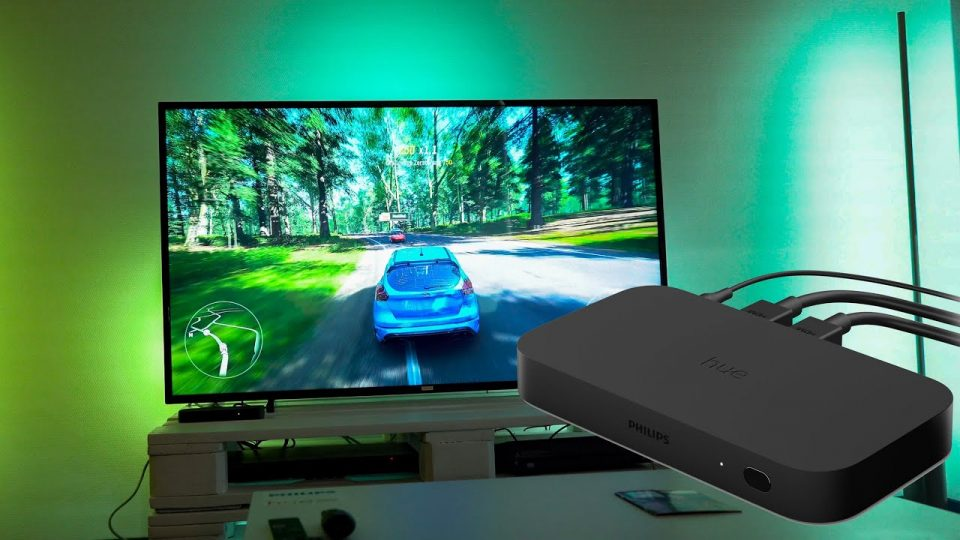 Philips Hue Play HDMI Sync Box a primit suport pentru HDR10+ / Dolby Vision
