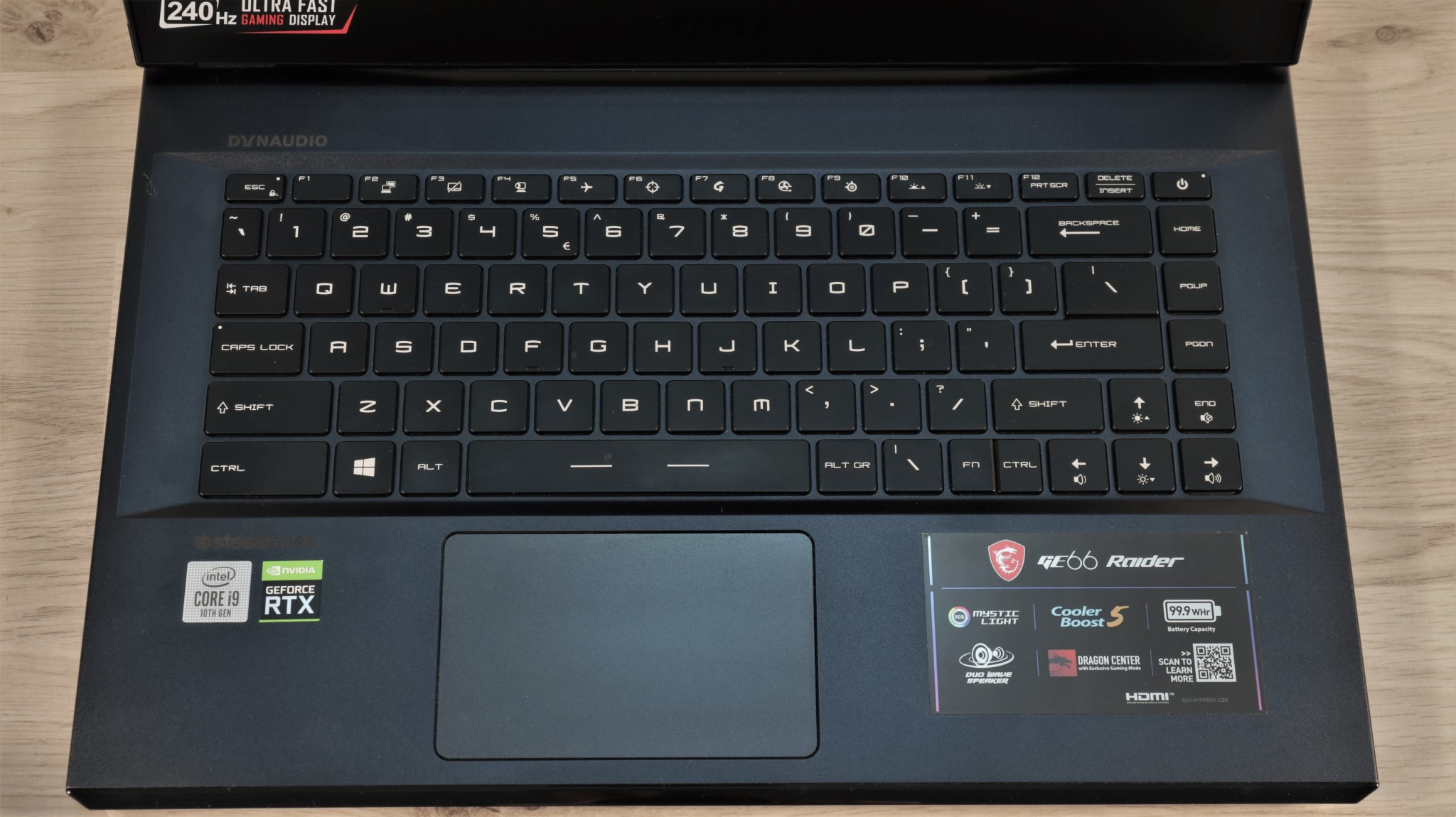 Notebook gaming MSI GE66 Raider 10SGS